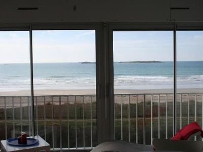 Photo for Apartment sea view with direct beach access, private parking, 4 people