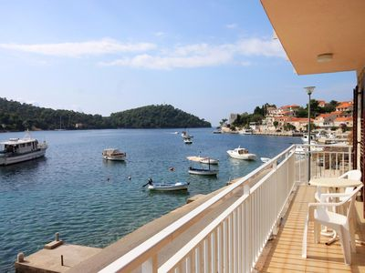 Photo for Two bedroom apartment with balcony and sea view Brna, Korčula (A-561-a)