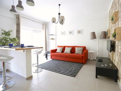 Photo for Oeiras Traditional apartment in Oeiras with WiFi, air conditioning, balcony & lift.