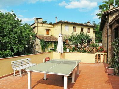 Photo for Lovely apartment for 6 people with pool, WIFI, TV, balcony, pets allowed and parking