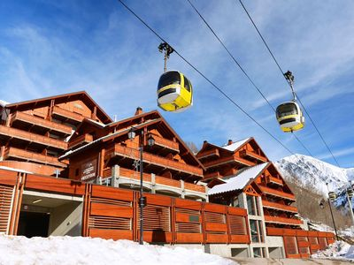 Photo for Comfortable resort with indoor swimming pool near the gondola lift in Vaujany