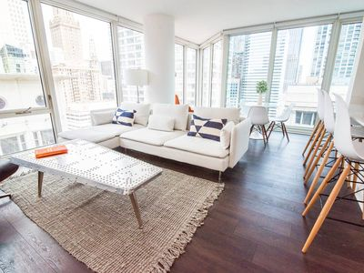 Photo for Gorgeous 2BR Apartment in Loop by Domio