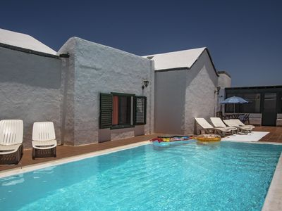 Photo for Spacious and Superb Villa with Private Pool, WIFI, Near Volcanoes