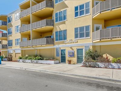 Photo for 3BR Condo with Great Ocean Views. In the Heart of South Beach