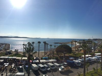 Photo for T2 air-conditioned on the port of Bandol, superb panoramic sight on the sea