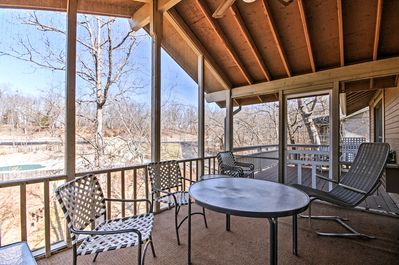 Elevate your Osage Beach retreat with this picturesque vacation rental home.