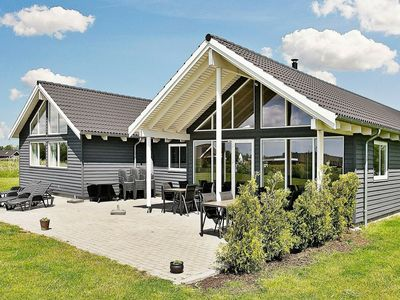 Photo for Luxurious Holiday Home with Indoor Pool in Væggerløse
