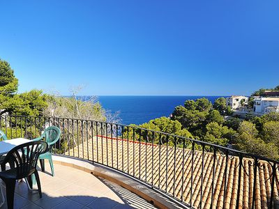 Photo for One bedroom Villa, sleeps 2 with Air Con and Walk to Shops