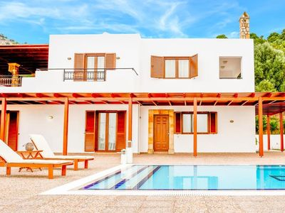 Photo for 3 bedroom Villa, sleeps 6 in Vlicha with Pool, Air Con and WiFi