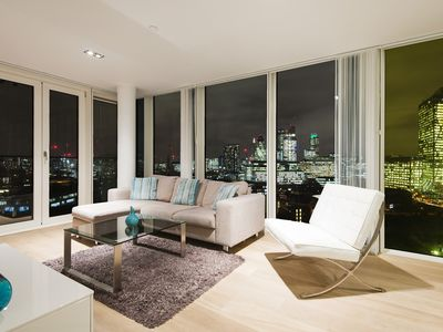 Photo for Air conditioned 5* Zone 1 City/Shoreditch with great city views