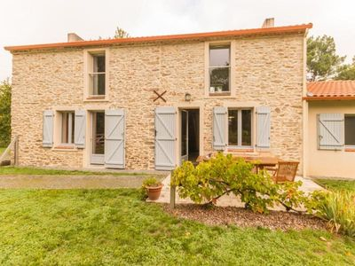 Photo for Gite Le Pellerin, 3 bedrooms, 7 persons