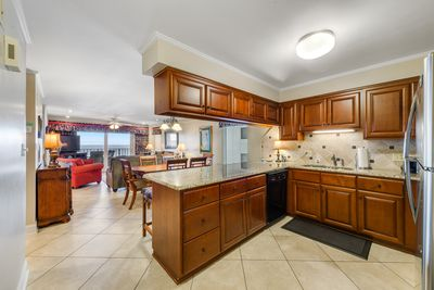 LARGE UPDATED KITCHEN WITH STAINLESS STEEL APPLIANCES