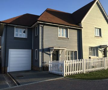 Photo for Beautiful 4 Bed / 2 Ensuite Family Friendly House in Rye