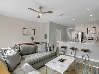 Photo for Windsor Hills - Newly Renovated 3 bed/3 bath Townhouse. Minutes from Disney!