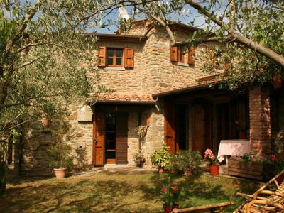 Photo for Old independent farmhouse  with private pool and garden. Panoramic position. Castiglion Fiorentino.