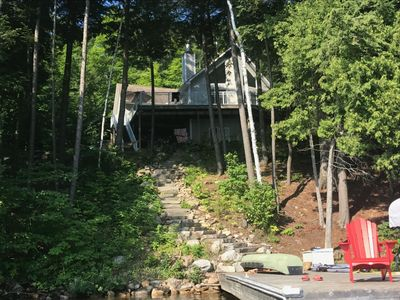 Modern Family Escape on quiet bay on Lake of Bays