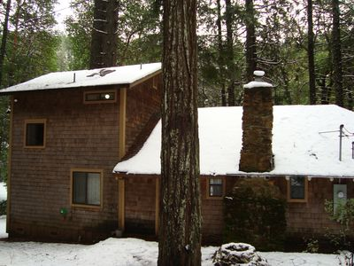 Front of Lagunita Lake House in the winter.
