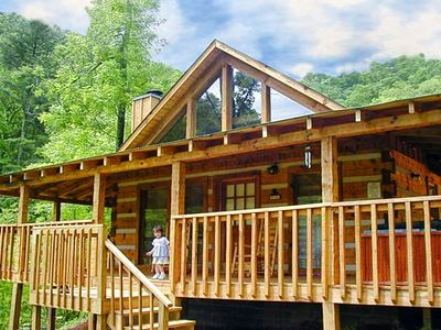 Photo for Bearadise Pet Friendly Cabin in Pigeon Forge, with WIFI