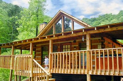Romantic Log Cabin in Pigeon Forge