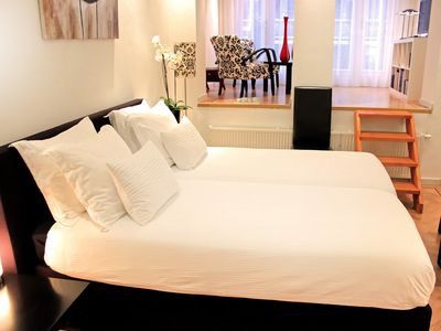 Luxurious stay in the east part of the center, 2 bathrooms, nice garden *****