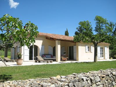 Photo for Beautiful house with pool, in the heart of Provence