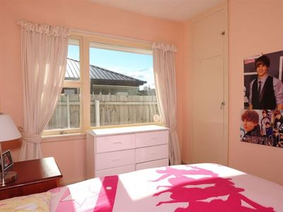 Photo for Home on Twyford - walk to airport