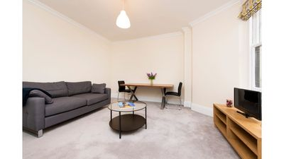 Photo for 1 bedroom flat in Collingham Road