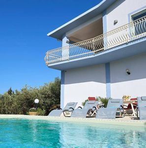 Photo for Villa with swimming pool The blue terraces