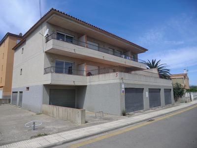 Photo for Large and centrally located apartment situated in Santa Margarita (Roses), at only 300 m from the beach.
