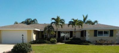 Photo for Beautiful house on club Med resort golf course, lake view,minutes from Beaches.