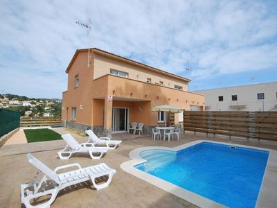Photo for Club Villamar - Holiday villa Vidreres – nice swimming pool and beautiful view