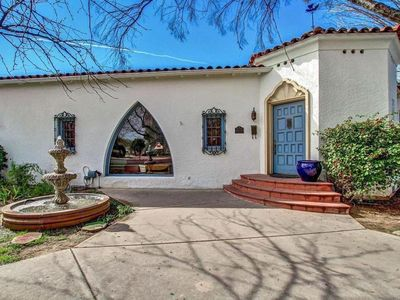 Photo for Downtown Phoenix Gorgeous Historic House 4 Bd 2 Bth near Phx Convention Center