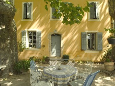 Photo for 4 bedroom house in Provence - 50 mins from Aix