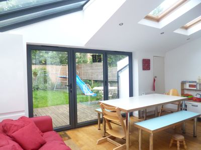 Photo for Family house great kitchen zone 2, only a 6 min walk to tube