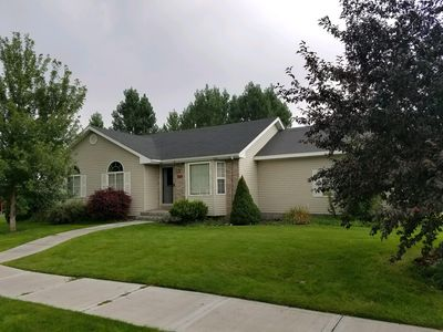 Photo for Charming 5 bed 3 bath home, large yard