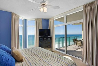Gulf Front Balcony Gorgeous Master Bedroom Views Chairs And Umbrellas On The Beach Free Destin