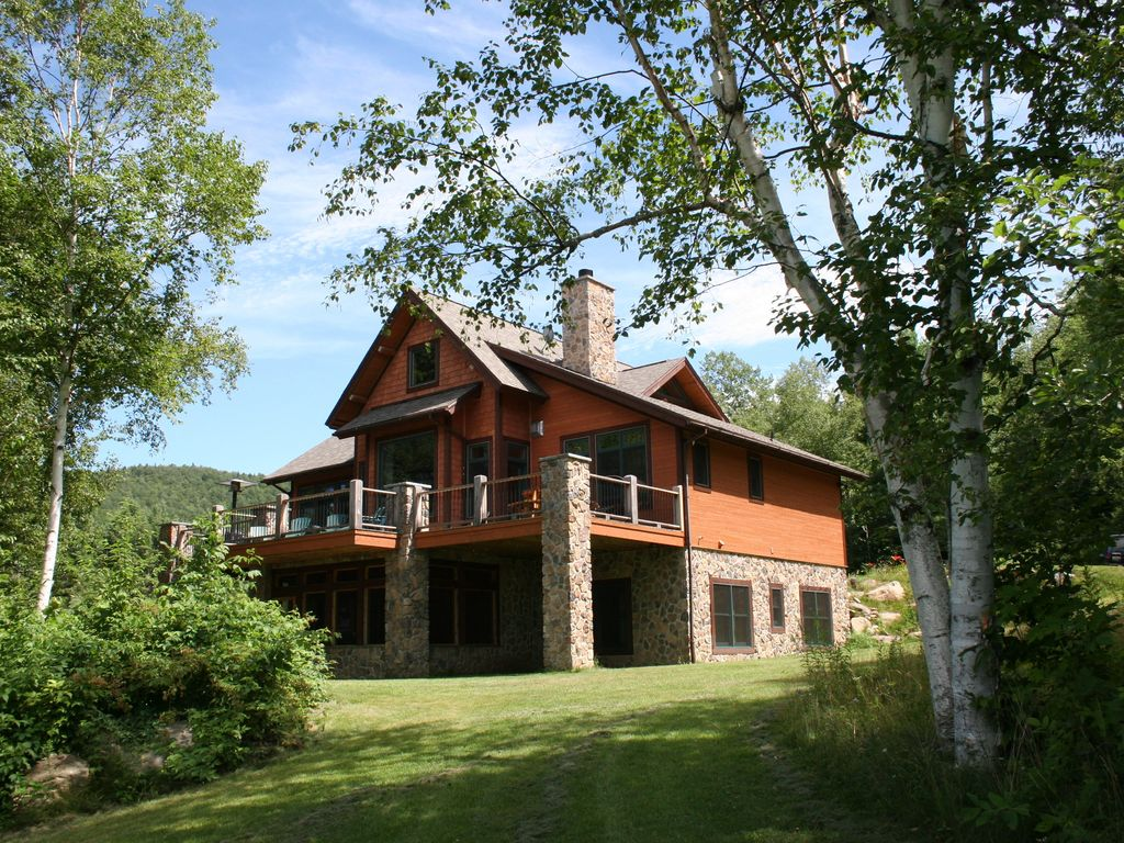 Secluded Hillside Home With Views Of Whiteface Keene