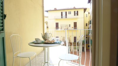 Photo for Arlecchino apartment in Oltrarno with WiFi, air conditioning, private terrace & lift.