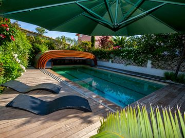 HOLIDAY RENTALS IN CAMARGUE - PRIVATE POOL - GARDEN - NEAR THE SEA