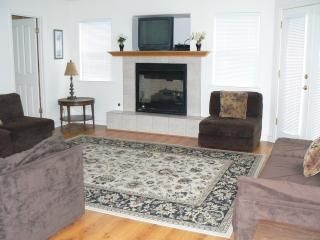 392 Franklin condo main living area. French doors on right open out to balcony