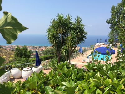 Photo for Studio in villa with pool 4 km from Tropea