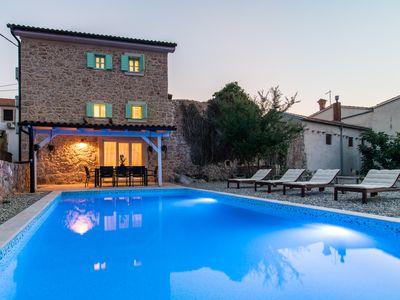 Photo for Rustic furnished stone villa with pool, in a quiet place, sandy beach