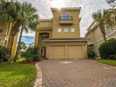 Photo for Luxury house with Elevator, Golf cart, Sept Specials, 2  block to the beach!