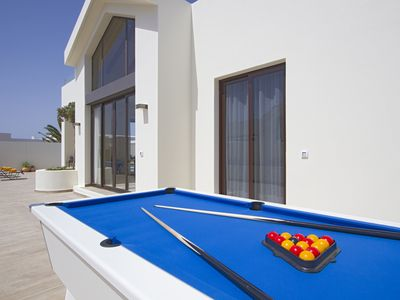 A Stunning Villa For All Ages Luxury Villa Nearest Beach Km - Outdoor pool table rental