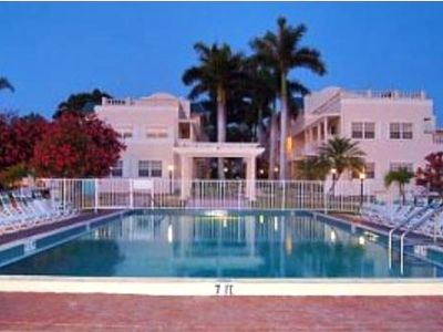 Photo for Top Rated Gulf Side, Steps from Beach, Great Amenities 2 pools, tennis, hot tub