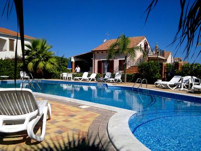 Photo for Very nice Elegant Villa in small complex with Pool & direct access to the beach