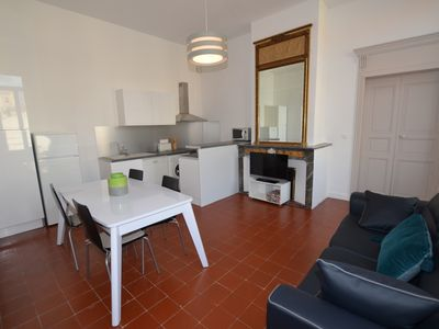 Photo for 2BR Apartment Vacation Rental in Béziers, Occitanie