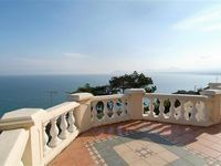 Breathtaking views and pure elegance!