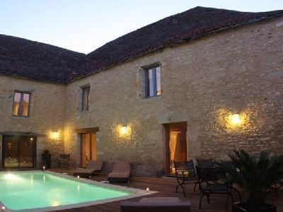 Photo for Sarlat, Charming house Heated Pool, Jacuzzi, sauna