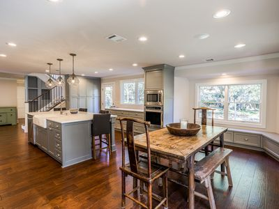 Photo for Cottage Style Home Near Downtown Austin